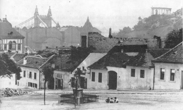 old_kereszt_square