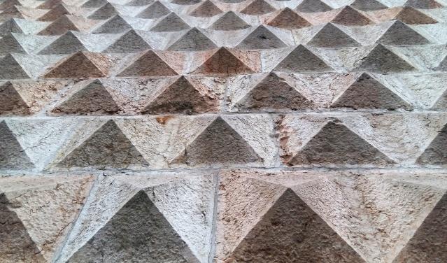 palazzo_dei_diamanti (3)