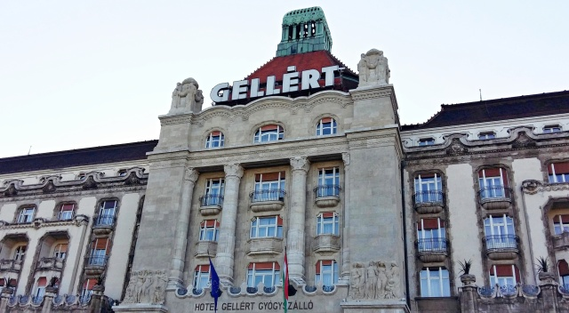 gellert_hotel_baths