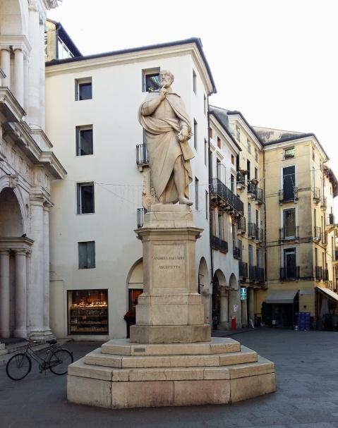 palladio_statue