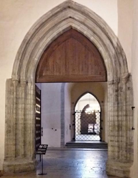 st_nicholas_nave_portal_north