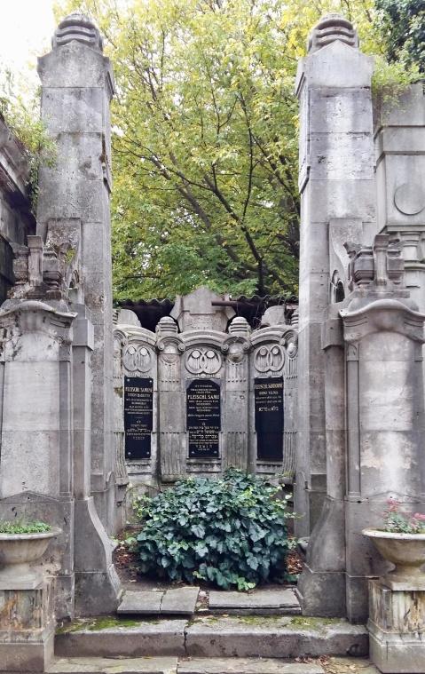 tomb_of_imre_weisz
