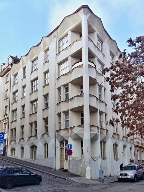 hodek apartment house 1